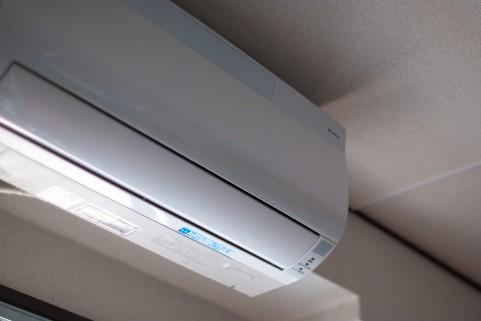 エアコンのクリーニング料金と方法